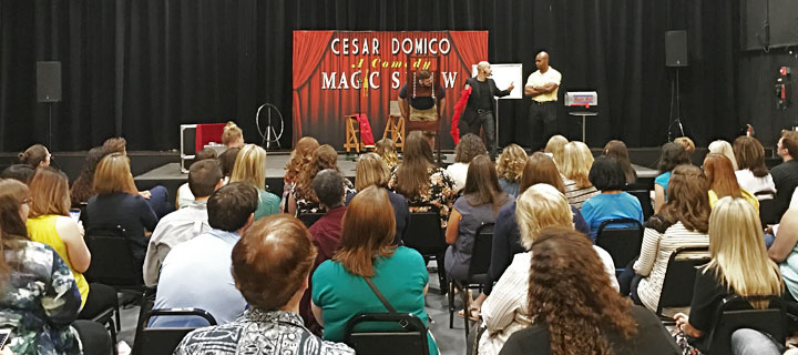 Comedy Magic shows entertainment. Florida Magician Entertainer for corporate events.